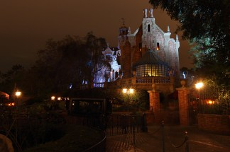 """Magic Kingdom - Haunted Mansion - 2012-03-10"" by fortherock is licensed under CC BY-SA"