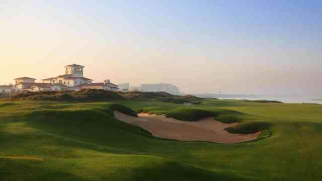 Best Things to do at Yas Island   Yas Golf Course   The Vacation Builder