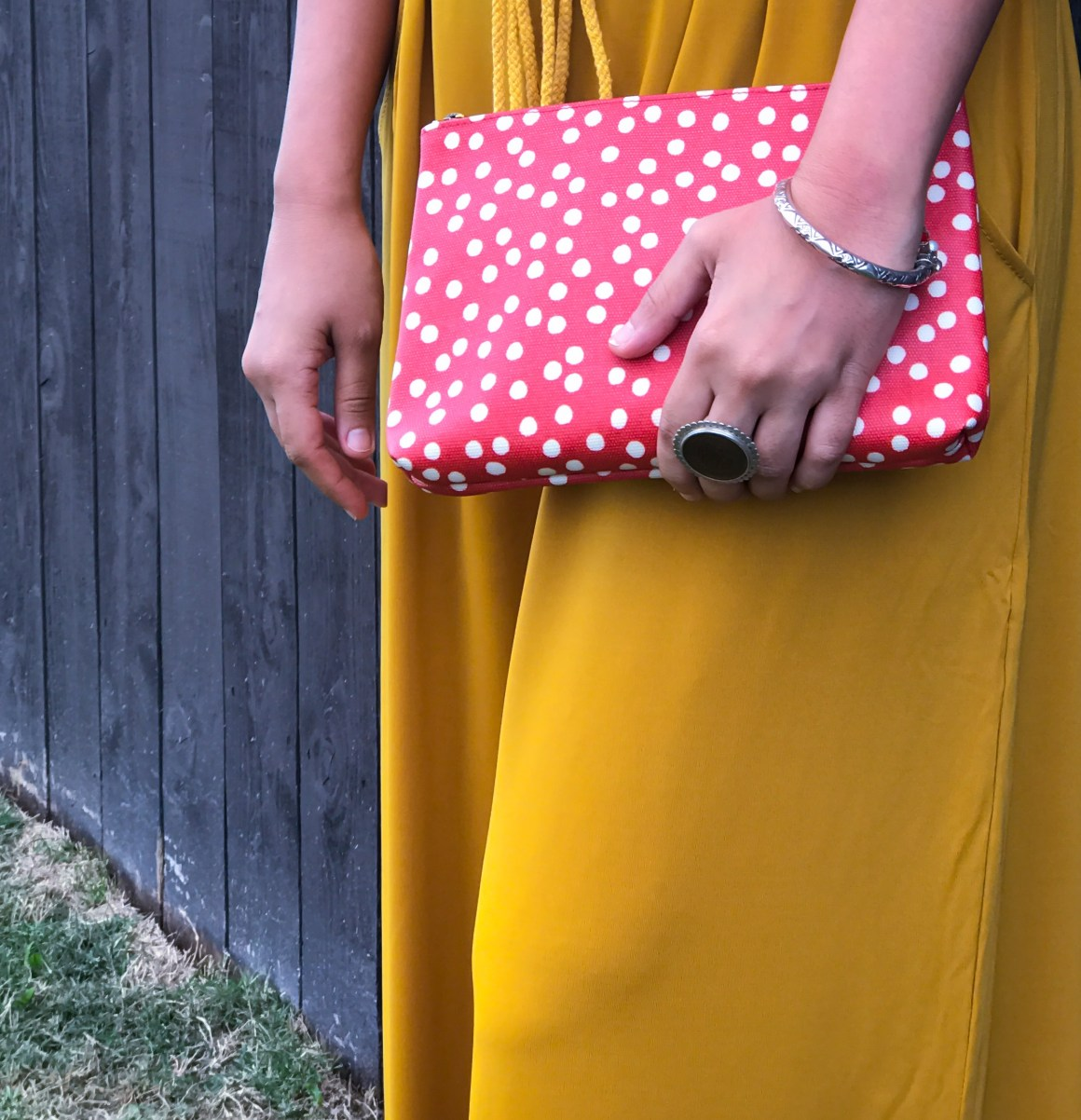 Red zip pouch - Madewell, Coin ring - Lai