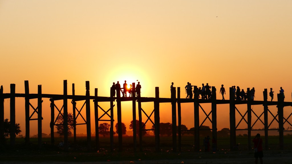 U-Bein Bridge , Mandalay
