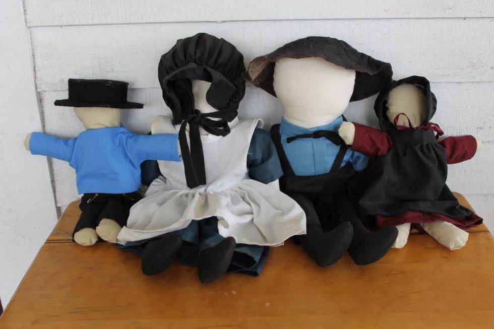 Faceless Amish Dolls