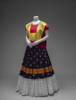 Cotton huipil with machine-embroidered chain stitch; printed cotton skirt with embroidery and holán . Ensemble from the Isthmus of Tehuantepec. Photograph Javier Hinojosa. © Diego Riviera and Frida Kahlo Archives, Banco de México, Fiduciary of the Trust of the Diego Riviera and Frida Kahlo Museums