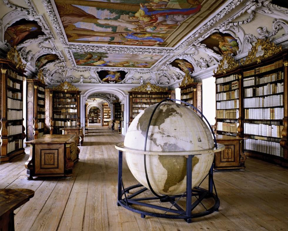 Stiftsbibliothek Kremsmünster, Kremsmünster, Austria.Photograph © Massimo Listri / TASCHEN