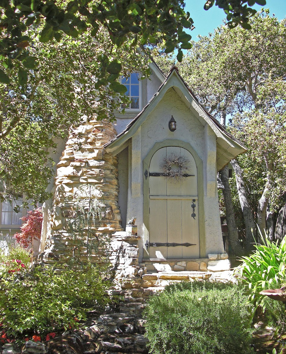 """""""Hansel"""" building in Carmel-by-the-Sea, California was constructed by Hugh Comstock for his wife Mayotta to display her dolls."""