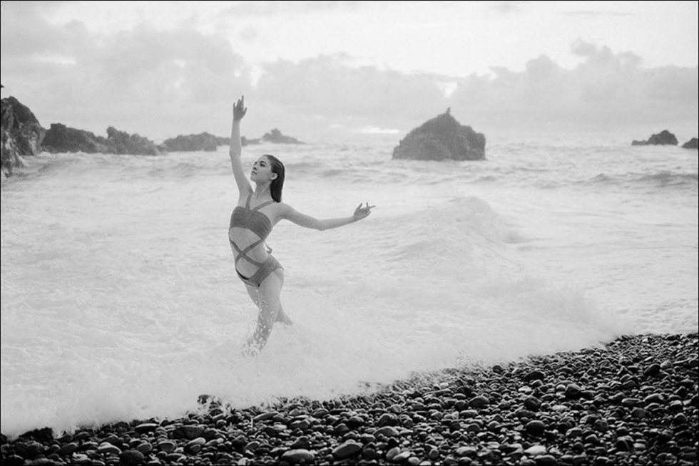 Zarina Stahnke posing in Maui for the Ballerina Project.