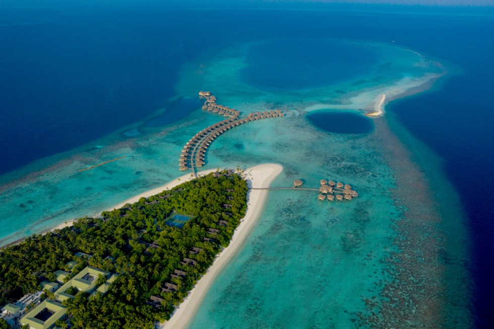 Aerial photo of Vakkaru Island and Blue Hole