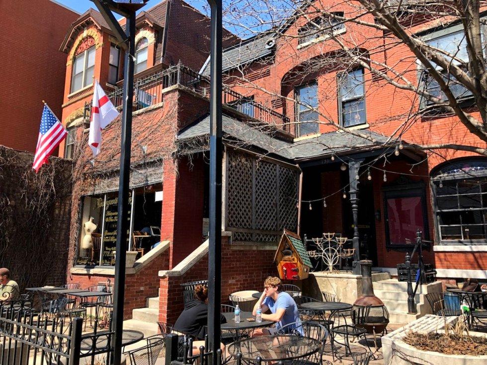 Bourgeois Pig Café patio