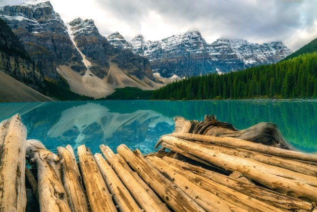 2020/12/moraine-lake-banff-national-park.jpg?fit=1200,800&ssl=1