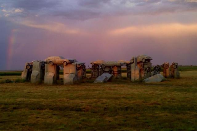 2021/01/carhenge-nebraska.jpg?fit=1200,803&ssl=1