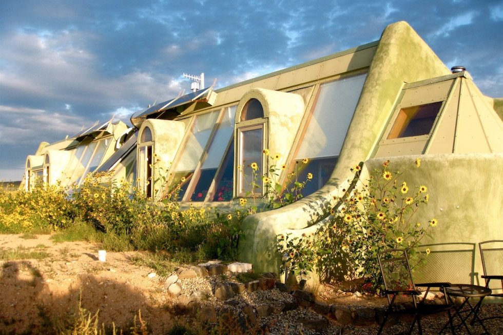2021/02/earthship-biotecture-home.jpg?fit=1200,800&ssl=1