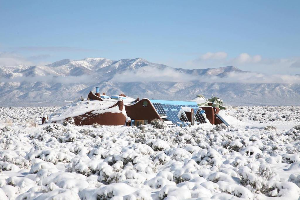 2021/02/earthships-taos-aerial.jpg?fit=1200,802&ssl=1
