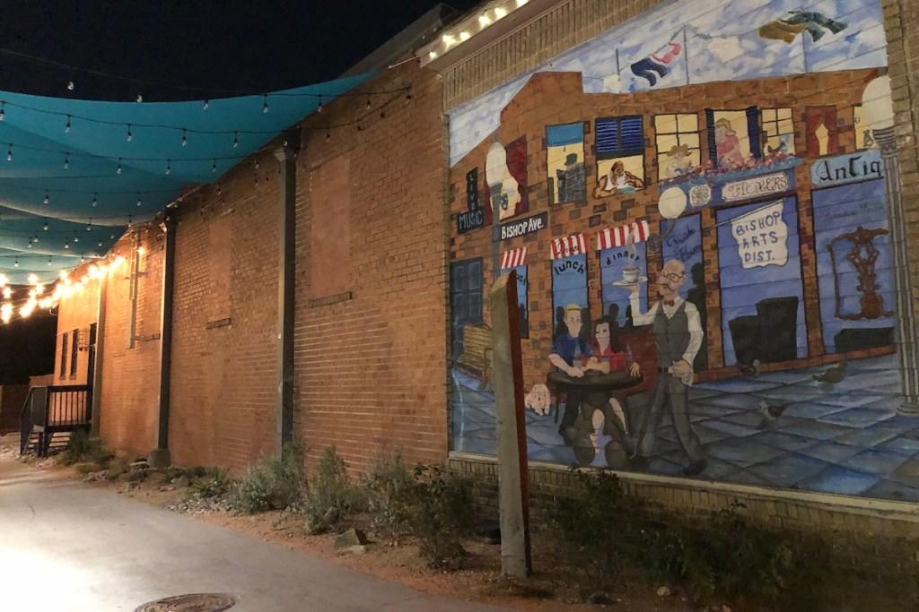 2021/03/bishop-arts-district-mural.jpeg?fit=1200,800&ssl=1