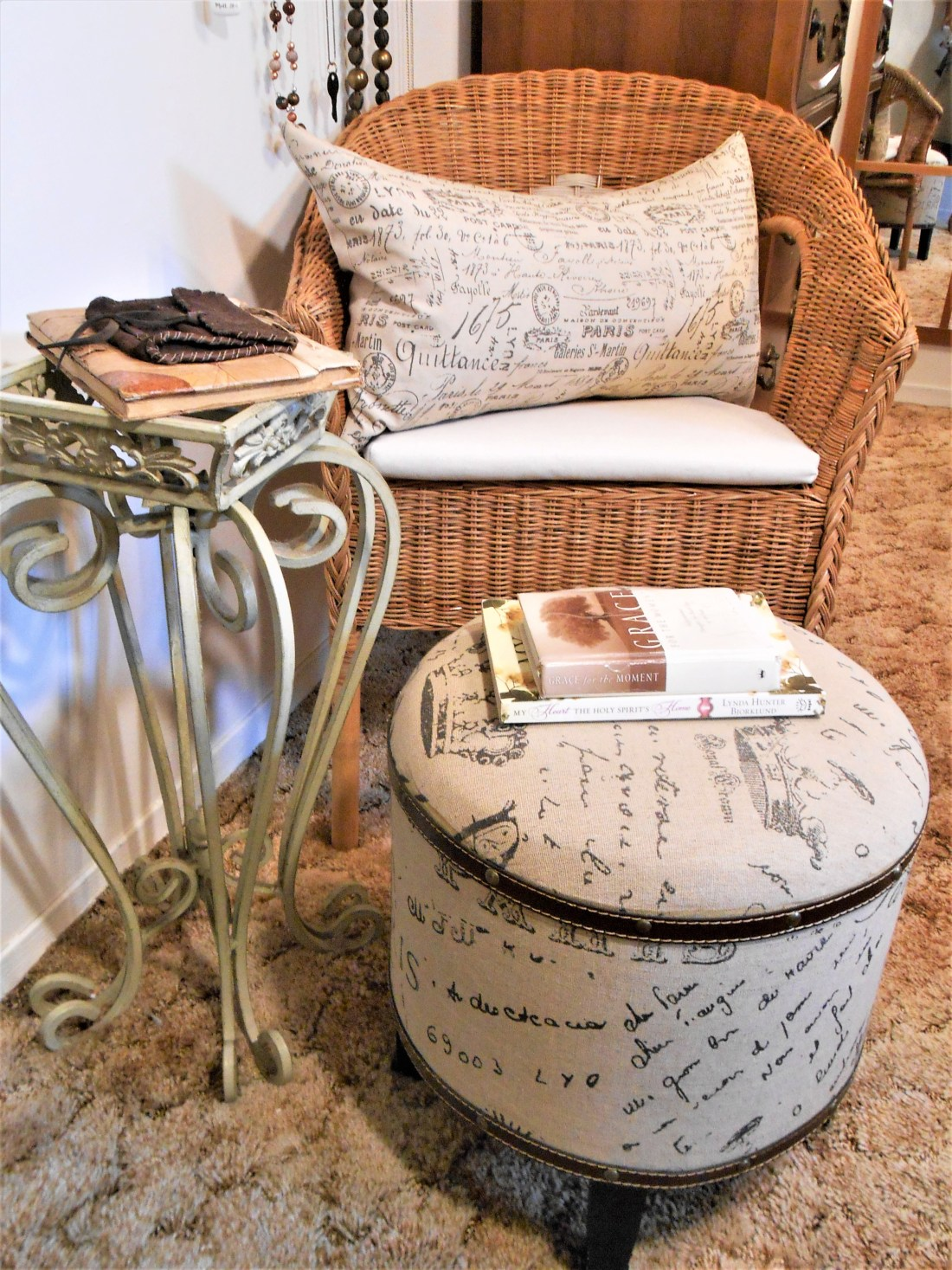 beach, home decor, six things you need to bring the beach inside, rocks, sand, wicker chair, bedroom, family