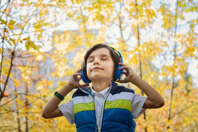 hearing God, katina horton, valley of grace, hearing God's voice, Elijah, Samuel, poetry, author, podcaster, blog. listen, waiting
