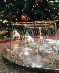 Merry Christmas. It's time to fill the glasses, because really it's 5pm somewhere. #merrychristmas #drinkup #fancy #holidays #christmas #christmasday