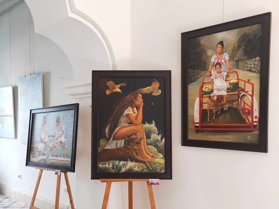 Local Mexican artists portraying everyday life at Galeria Artefacto 21