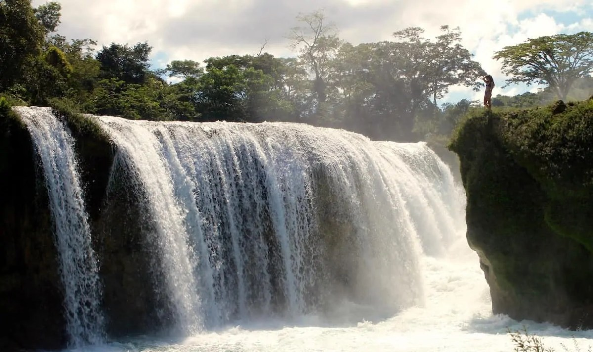 The thundering waterfall of Las Nubes in Chiapas, Mexico