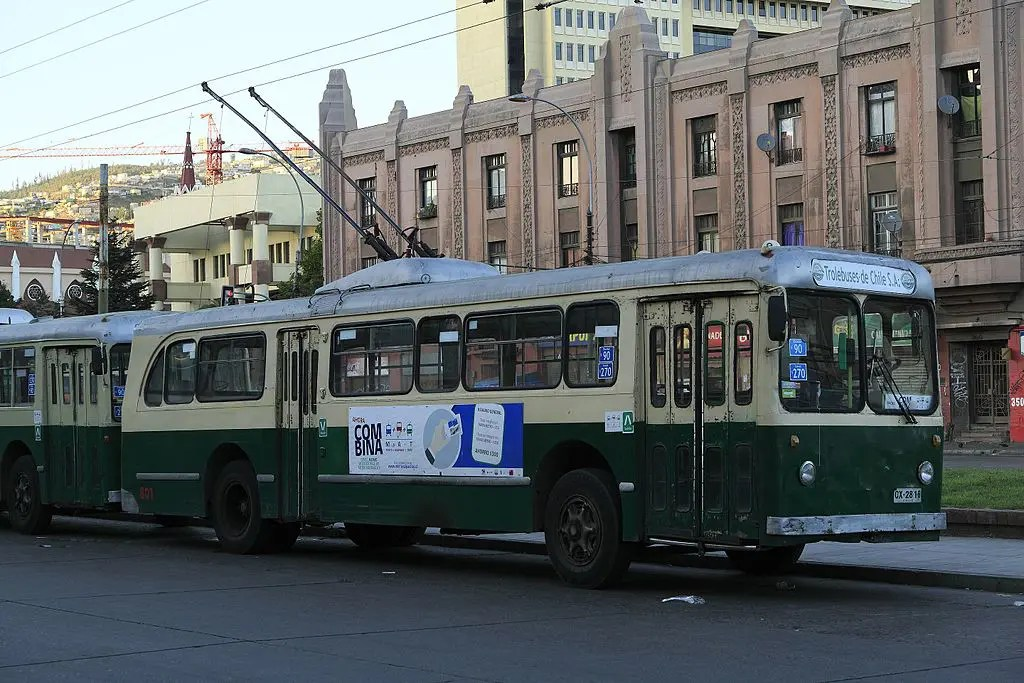 The trolley buses of Valparaíso are one of the most iconic things to do in the city
