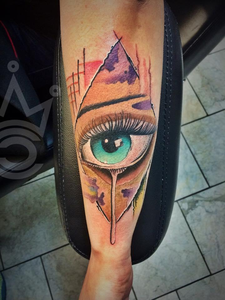 Yeyo Mondragon tattoo artist