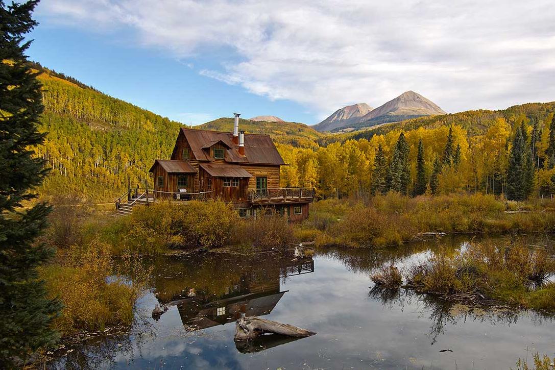 Breathtaking landscapes in Dunton Hot Spring Resort Colorado