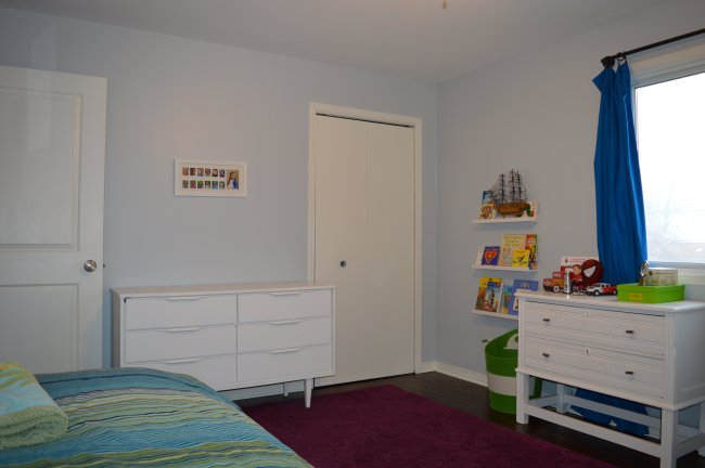 colorful kid bedroom