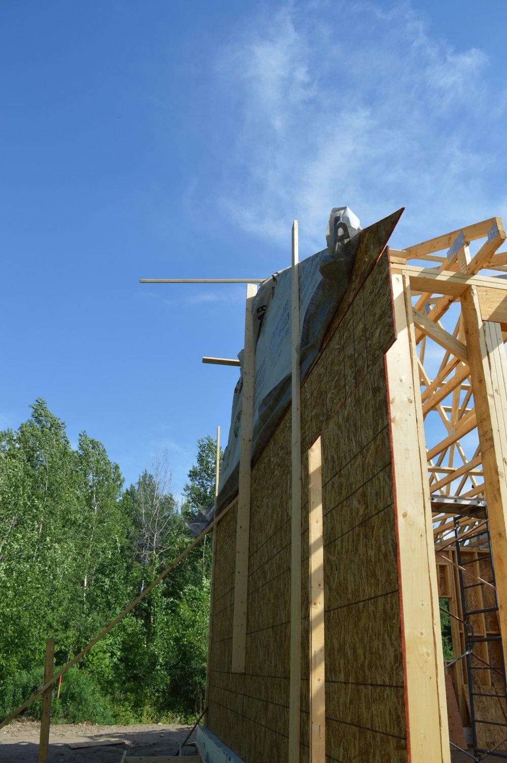 Grandor lumber roof trusses