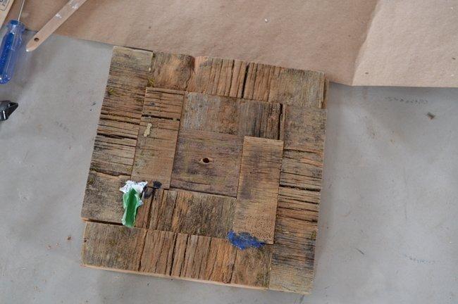 DIY barnboard clock