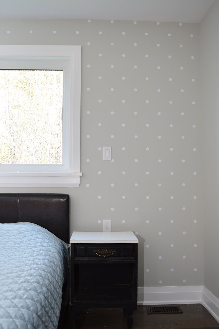 Master Bedroom Polka Dot Accent Wall: One Room Challenge ...