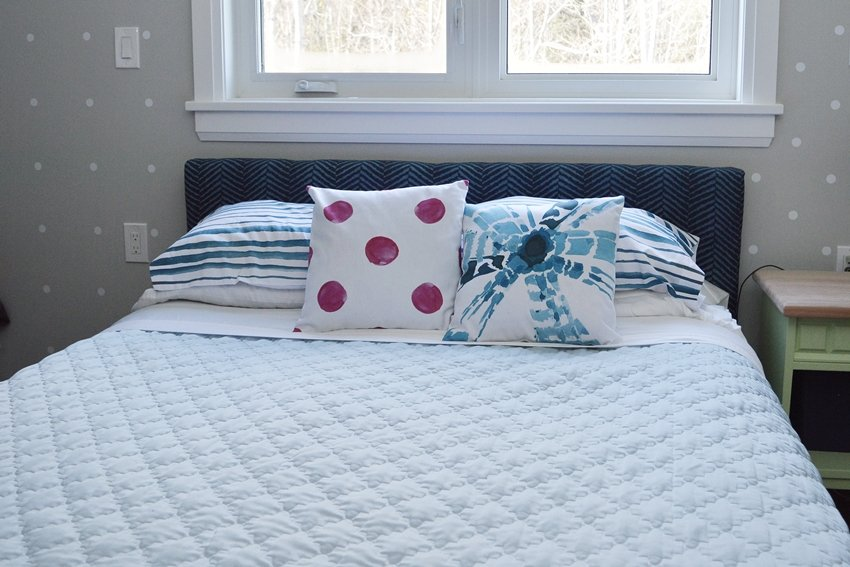 master bedroom pillow arrangements