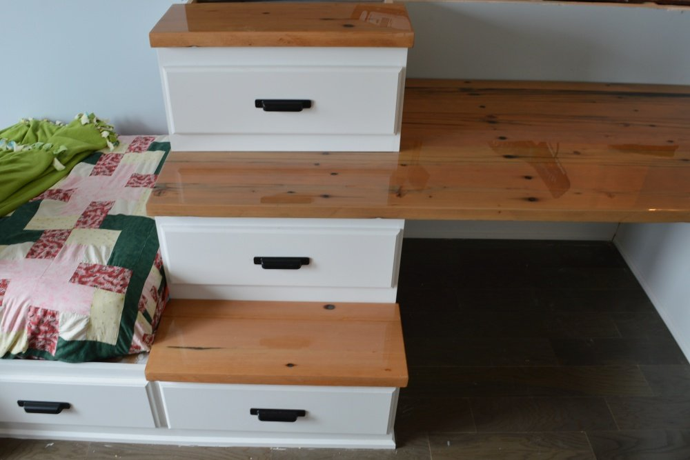 bunk bed built in with steps