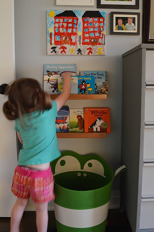 diy child book ledge