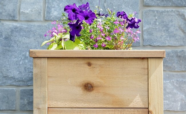 How to make a cedar planter from rough cut lumber