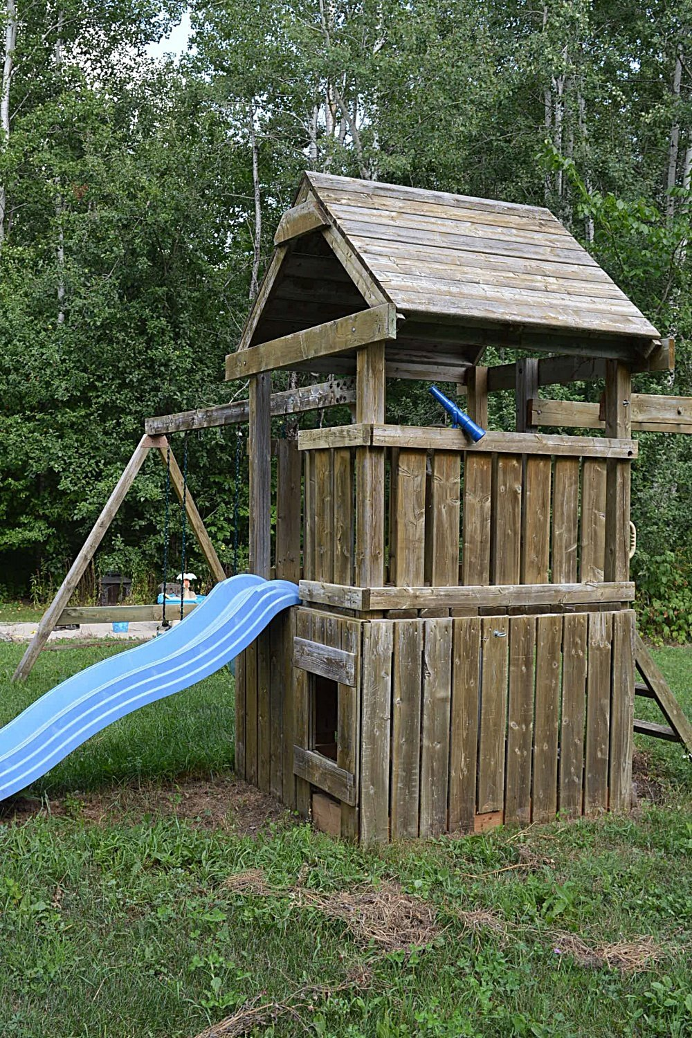 outdoor play structure makeover using semi-transparent stain