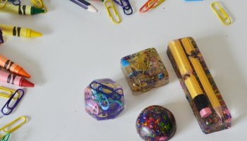 Make These Sparkly Blue Epoxy Resin Magnet • The Vanderveen