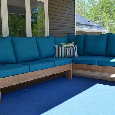 How to build a DIY outdoor sectional couch