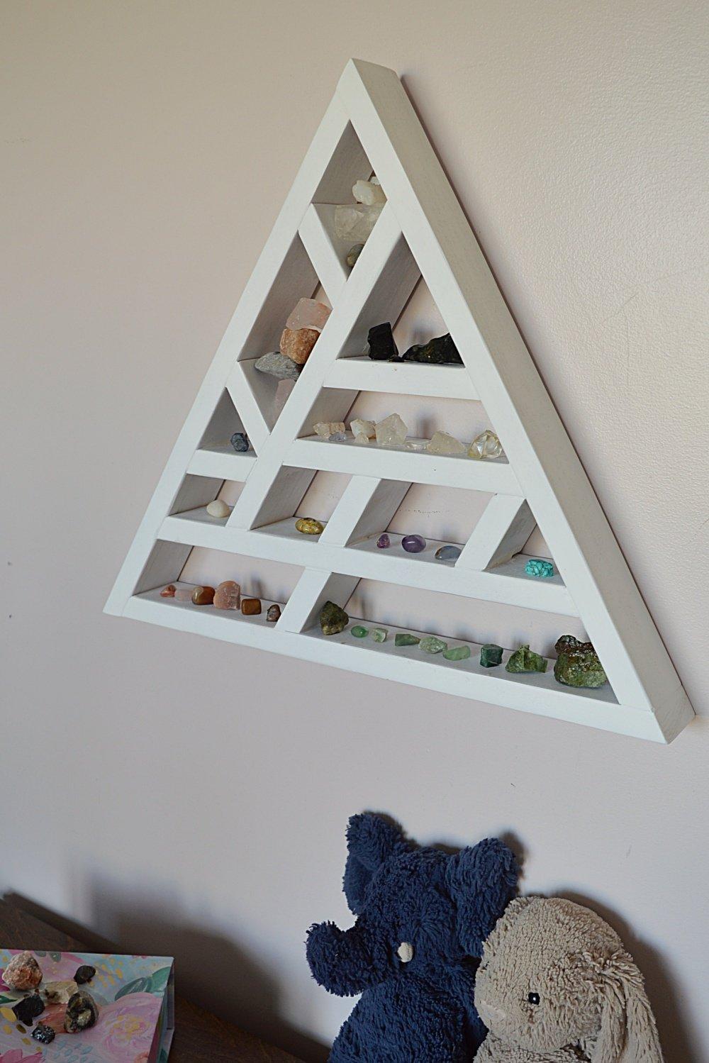 DIY wood triangle shelf