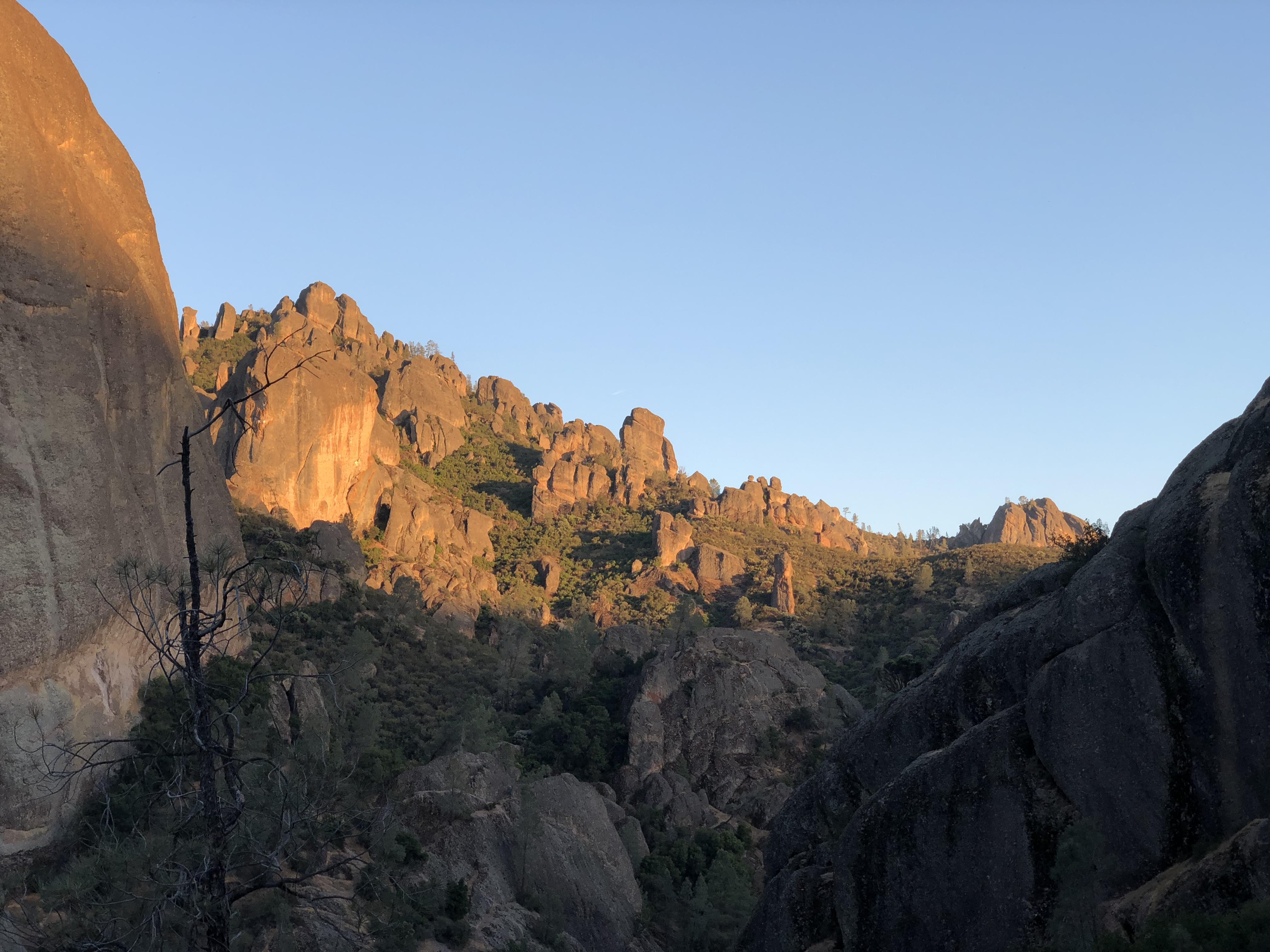 Fantastic sunset in Pinnacles NP