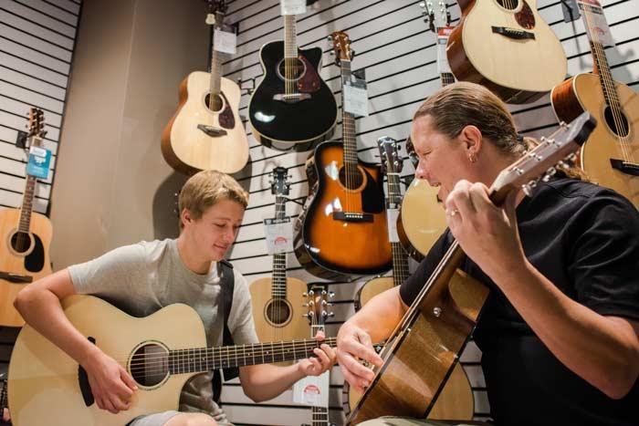 Choosing Acoustic Guitar Strings