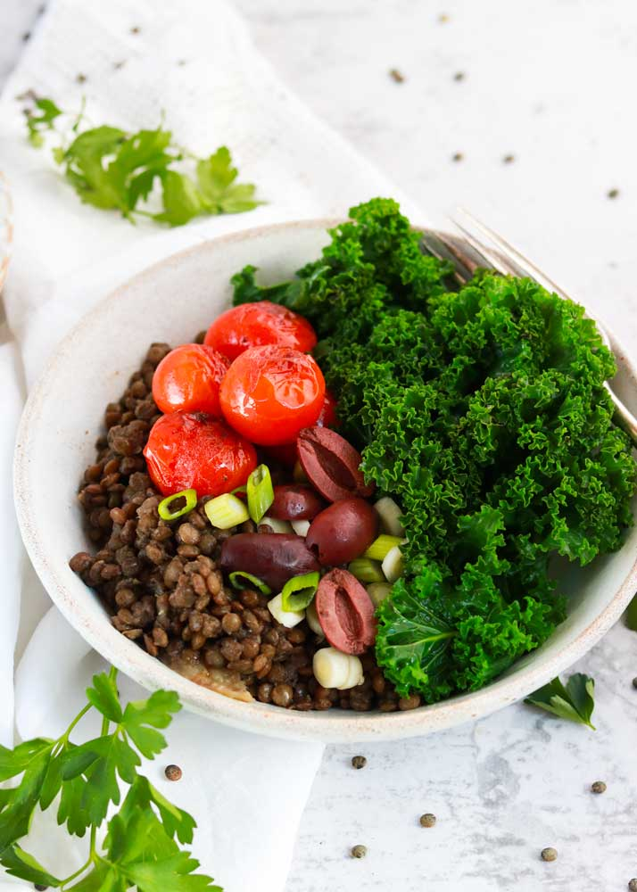 LEntil bowl with kale and other toppings