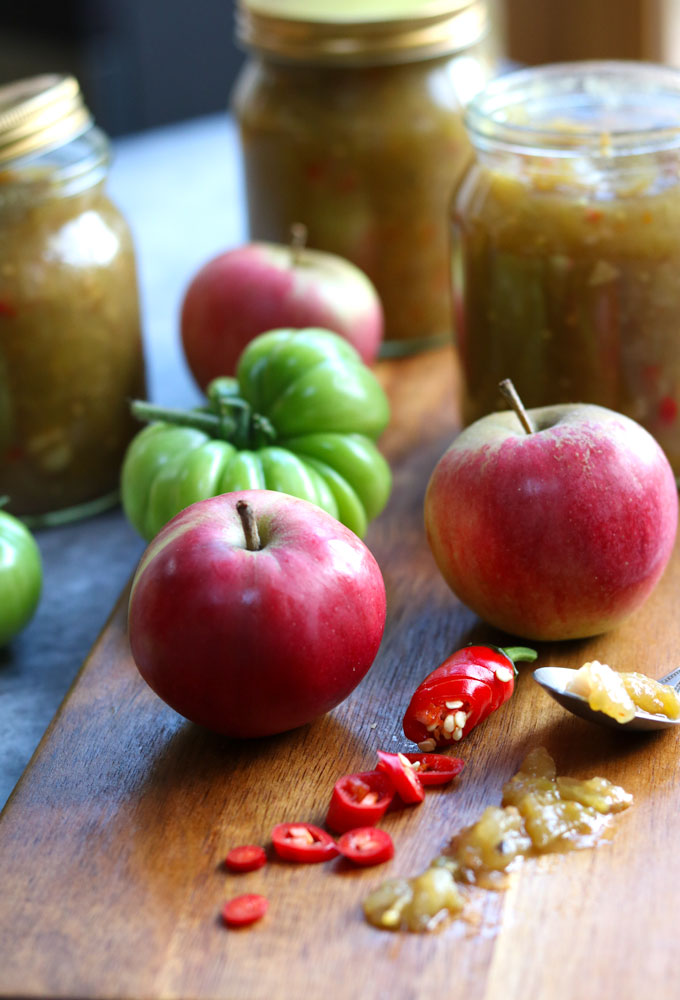 Green Tomato, Apple & Chilli Chutney