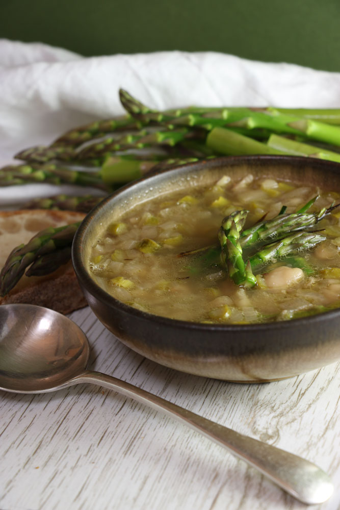Asparagus, Leek and Butterbean Soup