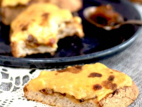 Vegan Welsh Rarebit with chutney