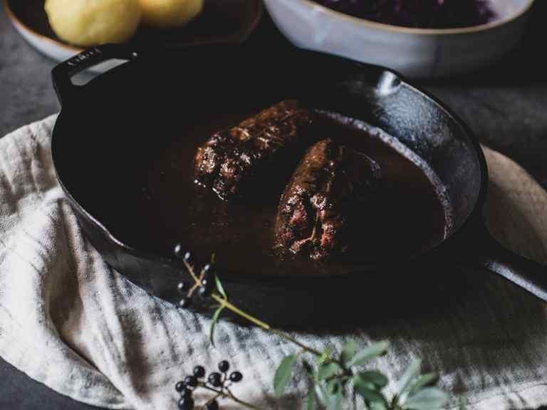 Vegane Rouladen mit veganer Bratensauce