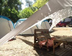 chill-tent-area-vegan-holiday-france