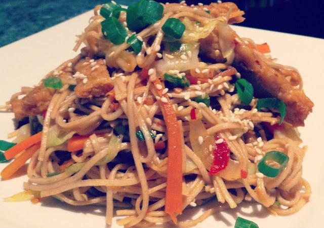 Vegetarian yakisoba recipe | Veggie Mama