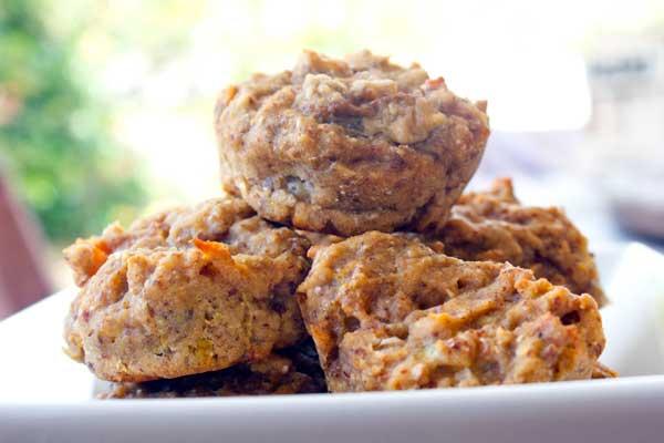 vegan-banana-peach-muffins