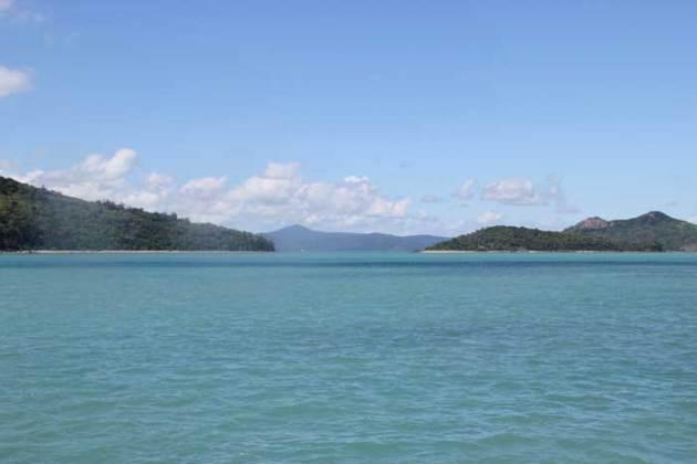 Whitsundays-whitehaven-ferry