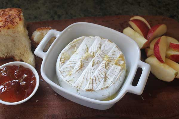 garlic-baked-brie