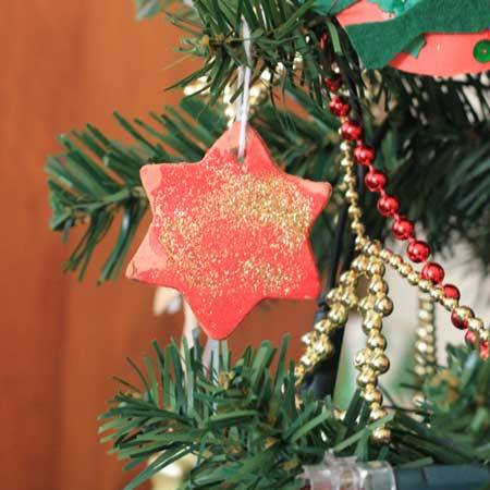 Christmas activities for toddlers: terracotta tree decorations