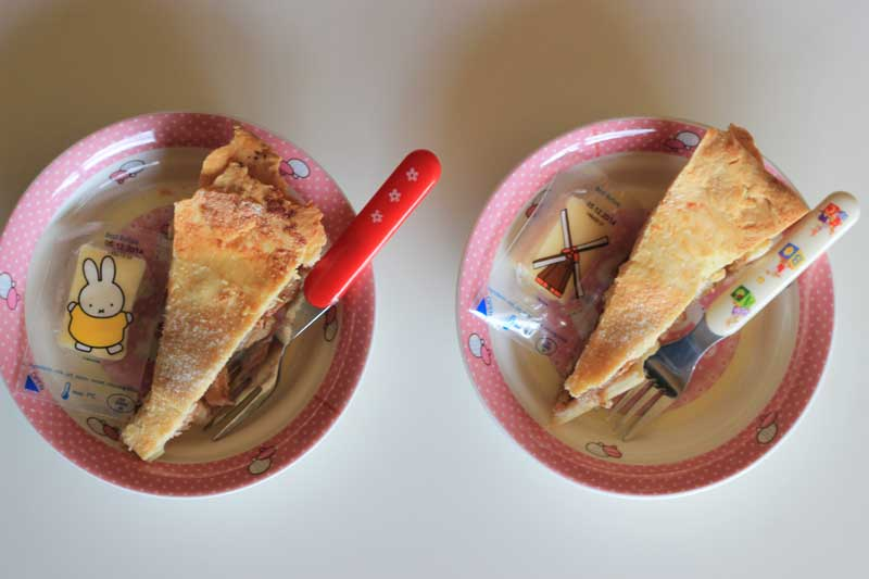 snacks-kid-food-apple-pie-and-cheese